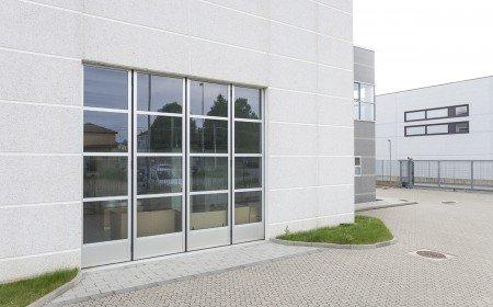 Portoni in alluminio industriali